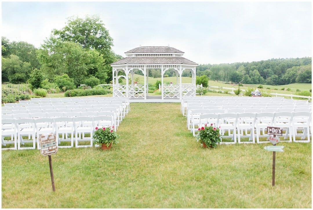 Salem Cross Inn Wedding in Brookfield Massachusetts